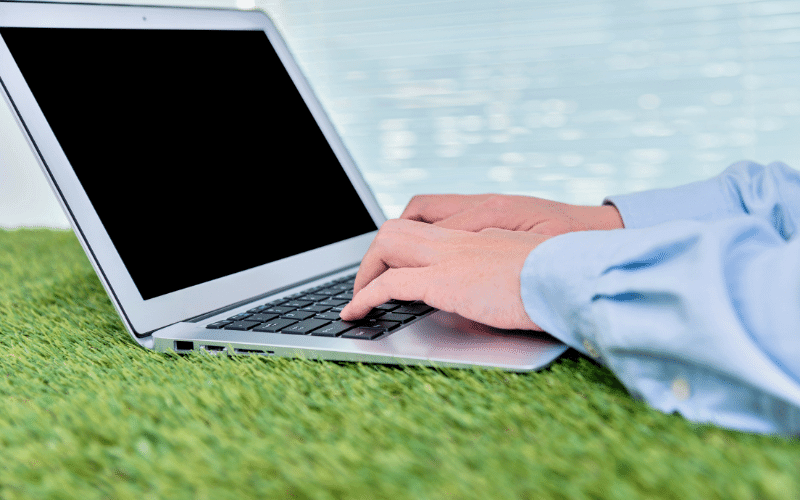 The Rise of Artificial Grass in the Workplace